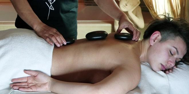 Кои се благодетите на масажата со врели камења